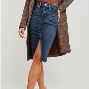 Abercrombie & Fitch Natural Rise Denim skirt
